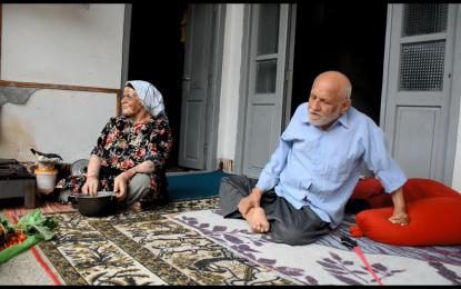 نوستالژی خاطره انگیز دهه 60 و 50 دانش آموزان اسرم – تنت سلامت مشت میرزا عمو